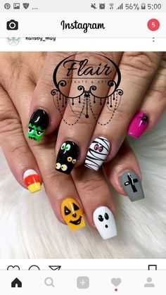 Holloween Nails, Cute Halloween Nails, Halloween Acrylic Nails, Halloween Nail Designs, Halloween Nail Decals, Fancy Nails, Love Nails, Pretty Nails, My Nails