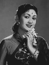 Remembering Legendary Actress Garu on Her Indian Actress Gallery, Indian Film Actress, South Indian Actress, Indian Actresses, Film World, Indian Goddess, Picture Movie, Vintage Bollywood, Asian Celebrities