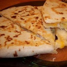 Easy Chicken Quesadillas on a Griddle -- Guys, it doesnt get much simpler than this. Turn your leftover chicken into a game day appetizer. Chicken Recipes, Outdoor Griddle Recipes, Grilling Recipes, Cooking Recipes, Flat Top Griddle, Dry Rub Recipes, Blackstone Griddle, Chicken Quesadillas