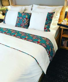 Using Art and Crafts in African Decor African Interior Design, African Design, African Furniture, African House, African Home Decor, Soft Furnishings, Bed Spreads, Home Accessories, Bedroom Decor