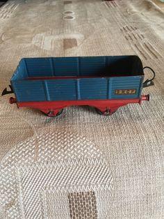 Le chouchou de ma boutique https://www.etsy.com/fr/listing/295194821/hornby-wagon-train-sncf-meccano