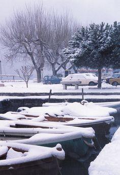 Bardolino   Il porto con la neve  #Bardolino #Neve #LagodiGarda #LakeGarda #Gardasee