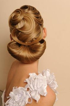Romantic chignon by Georgy Kot of Russia. Exquisite! #hotonbeauty hotonbeauty.com #chignon