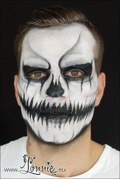 Halloween face paint Ansigtsmaling