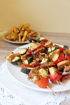 Szaszłyki z tofu i warzywami – wegański grill – Via Gusto Kung Pao Chicken, Tofu, Pasta Salad, Grilling, Dinner, Ethnic Recipes, Crab Pasta Salad, Dining, Crickets
