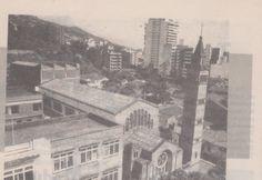 """Colegio San Juan Berchmans, barrio Centenario, año 1987. El colegio fue demolido para hacer un centro comercial. Se conserva la  iglesia con su torre. (""""Despertar Vallecaucano"""" N° 101 abril 1990)"""
