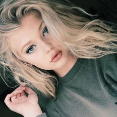 im loren *smirks* im rebellious very rebellious I don't get caught and I don't cry *rolls eyes* I steal from malls and other crappy stuff*rolls eyes* I only date players if there cute but I hate players in genaral
