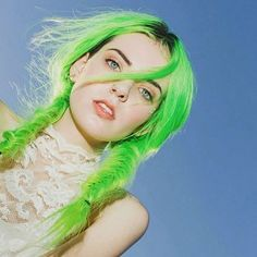 How to Pull Off the Mermaid Hair Trend | Neon Obsession
