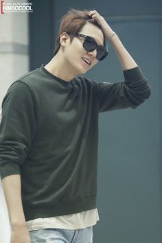 (Part Lee Min Ho go to Airport back from Nanjing. Asian Actors, Korean Actors, K Pop, Korean Celebrities, Celebs, Jun Matsumoto, Dramas, Lee Min Ho Kdrama, Lee Min Ho Photos