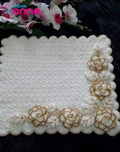 Crochet Flower Patterns, Crochet Blanket Patterns, Baby Knitting Patterns, Crochet Flowers, Ribbon Embroidery Tutorial, Hand Work Embroidery, Beaded Embroidery, Crochet Home, Diy Crochet