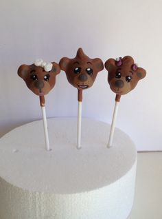 Bananas in pyjamas 'three bears' cake pops