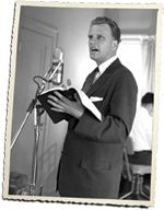 Billy Graham at Microphone Billy Graham Quotes, Billy Graham Library, Best Freinds, Ancient Words, Kings Of Israel, Spiritual Advisor, Abba Father, Jewish History, Haifa