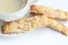 low carb biscotti, sugar free biscotti, gluten free biscotti, white chocolate biscotti, macadamia nut biscotti This site has links to all products and how this lady was able to lose her post chemo weight Low Carb Sweets, Low Carb Desserts, Low Carb Recipes, Ketogenic Recipes, Healthy Desserts, Free Recipes, Healthy Recipes, Keto Cookies, Gluten Free Cookies