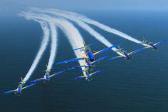 A Esquadrilha da Fumaça voa desde 2013 com o A-29 Super Tucano (FAB)