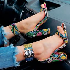 43 Fancy Shoes To Inspire Everyone Fancy Shoes, Pretty Shoes, Beautiful Shoes, Formal Shoes, Heeled Boots, Shoe Boots, Shoes Heels, Heeled Sandals, Sandals Outfit