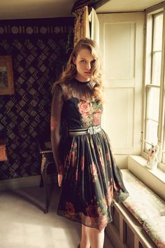"""The Lady Chatterley Dress from Lena Hoschek """"The Brits"""" Autumn/Winter 16/17  Zhiboxs.com"""