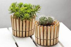Clothespin flowerpot stand