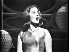 ▶ Lesley Gore - It's My Party (1963) - Sweet  clear voice. How pretty, classic..