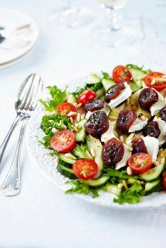 Vuohenjuusto-aprikoosisalaatti | Salaatit | Pirkka #food #Christmas Caprese Salad, I Love Food, Potato Salad, Salads, Healthy Recipes, Healthy Food, Dinner, Vegetables, Ethnic Recipes
