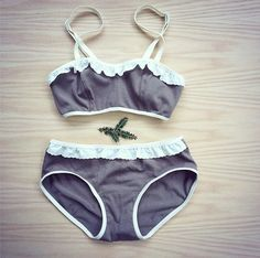 Bralette panties set taupe green cream ruffles – econica