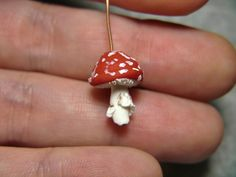 Free polymer clay mushroom headpin tutorial.  this has to be my favorite little red fungus tutorial!