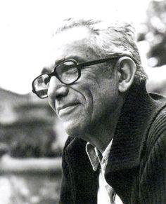 Leo Lionni (May 5, 1910 - October 11, 1999) Dutch children's book writer, illustrator and graphic designer.