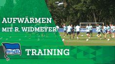 Aufwärmen mit Rainer Widmayer - Training - Hertha BSC - Bundesliga - Be...