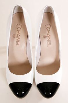Chanel spectator pumps