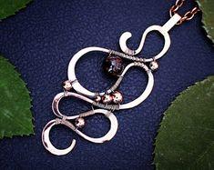 Wire wrapped pendant - Lace copper pendant - Wire wrap garnet - Wire jewelry garnet - Wire wrapped jewelry - Copper pendant - Christmas gif