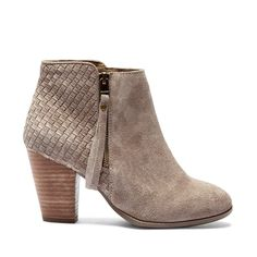 Check out what I'm loving on Sole Society! Shoes. Bags. Accessories. Style…