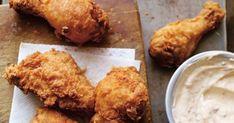 Fan de poulet? Mais vous ne savez plus comment impressionner vos proches? On vous donne quelques idées avec ces 10 recettes qui vont vous faire saliver! Aussi... Oven Chicken Recipes, Turkey Recipes, Cooking Recipes, Soul Food, Food Photo, Milkshake, Food And Drink, Yummy Food, Favorite Recipes