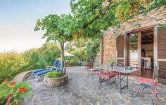 Hübsches Ferienhaus im kleinen Dorf Gavorrano, ca. 10 km von der Küste und 17 km von dem Badeort Follonica entfernt. Das Haus befindet sich in Hügellage und