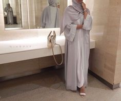 "Muslim Fashion 670191988287207032 - khaleeji-swagg: ""In mood for abaya "" Source by khadijatourecned Modest Fashion Hijab, Modern Hijab Fashion, Street Hijab Fashion, Modesty Fashion, Arab Fashion, Islamic Fashion, Muslim Fashion, Look Fashion, Fashion Tips"
