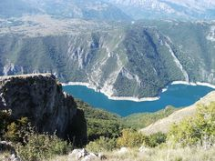 Lake Piva in the Pluzine region of Montenegro is an undiscovered gem that not many tourists get to see. Mountain Hiking, Montenegro, Gem, Explore, Mountains, Nature, Travel, Naturaleza, Viajes