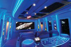 Una sala de cine que imita el Halcón Milenario de 'Star Wars