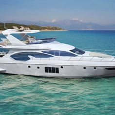 Riding in The Lap of Luxury Travel With a Virgin Island Yacht Charters Lux Yachts, Yachting Club, Bateau Yacht, Sports Nautiques, Yacht Builders, Cool Boats, Yacht Boat, Yacht Design, Speed Boats