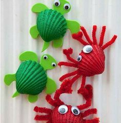 These Seashell Craft ideas are a great way to preserve those special holiday memories. Turn them into Ladybugs, Rainbow Shells, Birds, Fish or Mermaid Necklaces. You can even show the kids how to Grow Crystal on Seashells as a science experiment. #seashell_crafts_kids