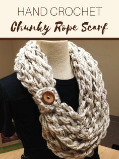 This hand crocheted chunky rope scarf would be so quick and easy to make! Would be the perfect hour project for looking cute and staying warm in the snow. #handcrochet #crochetprojects #handmadediy #ad