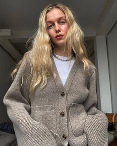 """Marie von Behrens on Instagram: """"Hi Monday"""" Marie Von Behrens, State Of Grace, Types Of Women, Autumn Winter Fashion, Winter Style, Capsule Wardrobe, Videos, Style Inspiration, Instagram"""