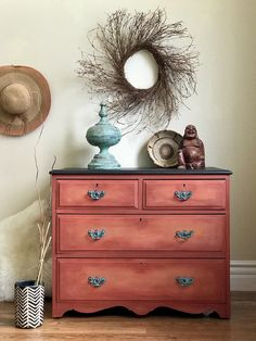 How pretty is the new Dixie Belle color Rusty Nail. Its pretty fab. The base color is Rusty Nail and the shading is Terra Cotta. Repurposed Furniture, Cheap Furniture, Furniture Plans, Rustic Furniture, Furniture Makeover, Antique Furniture, Furniture Decor, Living Room Furniture, Furniture Design