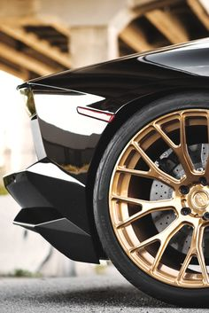 There is a time and a place for gold wheels. Awesome.