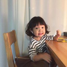 언니는 큰집가고 없규 너 세상이다 ^^ Bff Girls, Kids Girls, Baby Kids, Korean Babies, Asian Babies, Cute Toddlers, Cute Kids, Tao, Ulzzang Kids