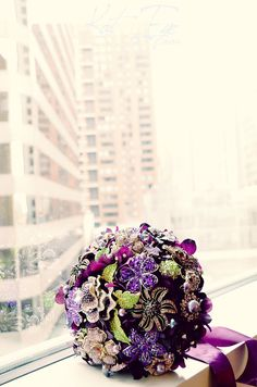 Custom made pin brooch bouquet