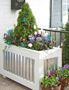 Gardening Container spring container, Love the Galvanized Steel Container Lowes tells you how to make it! Metal Planter Boxes, Rustic Planters, Diy Planter Box, Diy Planters, Planter Ideas, Outdoor Projects, Garden Projects, Outdoor Decor, Garden Ideas