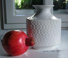 http://de.dawanda.com/product/68755027-Gr-70er-Vase-von-Winterling---Porzellan
