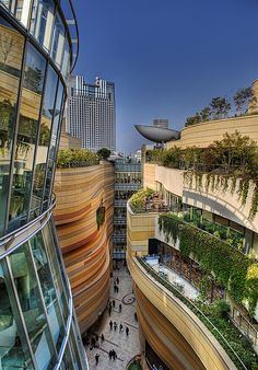 Namba Parks (office and shopping complex), Namba-naka Nichome, Naniwa-ku, Osaka, Japan