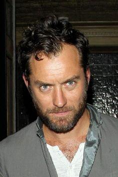Jude Law looks like JL G. Isasi