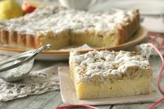 Crumble with custard, apples and almonds - Sbriciolata con crema pasticcera, mele e mandorle Sweets Recipes, Cake Recipes, Cooking Recipes, Desserts, Biscuits, Light Cakes, Bread Cake, English Food, Pastry Cake