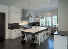 21 Neat Black and White L-Shaped Kitchens