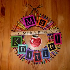 Crafty Craftiness / Math Teacher Wreath :) - I made this for my sister for her birthday Teacher Birthday Gifts, Teacher Christmas Gifts, Teacher Gifts, Teacher Wreaths, School Wreaths, Online Art School, Teacher Doors, Presents For Teachers, School Decorations